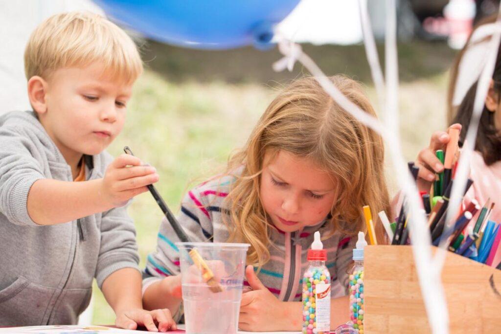 Farbiger Anlass Malworkshop Malkurse für Kinder Solothurn HESO Herbstmesse Solothurn__